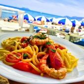 Spaghetti pomodorini freschi a base di pesce